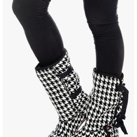 Black/White Sugar Cake Plush Lined Winter Boots | $10.00 | Cheap Trendy Boots Chic Discount Fashion