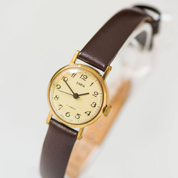 Classical women watch Dawn, gold plated watch minimalist, vintage woman watch small 70s fashion, beige face watch, premium leather strap new