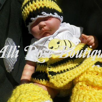 Crochet Bumble Bee Baby Shower Gift Set - Bee - Yellow and Black - Girl - Newborn - Infant
