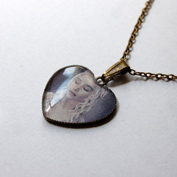 Khaleesi Daenerys Targaryen Stormborn Mother of Dragons (Emilia Clarke) - Game of Thrones Jewelry - Handmade Vintage Cameo Pendant Necklace