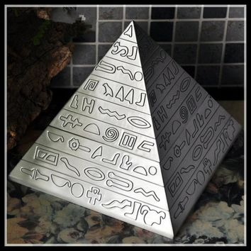 Big size Pyramid Cohiba Ashtray Retro Metal  Ashtray With Lids Cigarette Ashtray for Home  Ancient  Egypt Products ElimElim