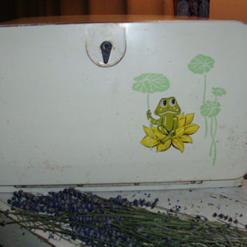 Lower Price Vintage Metal Bread Box Adorable Frog on the Front 1970's