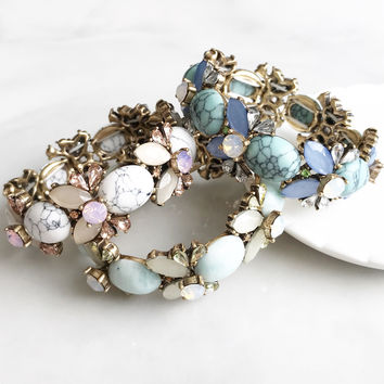 Antique flower stone bracelet