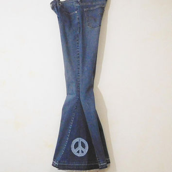 Womens Bell Bottom Jeans Levi 515 Bell Bottoms Upcycled Peace Patch, Low Rise, 34 Waist, Size 8, Tall, Hippie Clothes, Bohemian, 70s, Flare