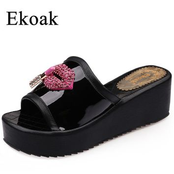 Ekoak New 2017 Summer Fashion Patent Leather Women Slides Crystal Red Lips Ladies Wedges Platform Shoes Woman Sandals