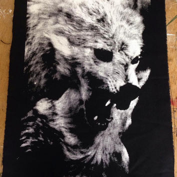 Wolf Back patch crust nature forest