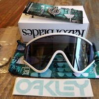 ONETOW New Oakley Eyeshade Sunglasses White W/ Grey Retro Heritage Collection BNIB