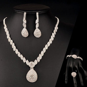 Silver Rhinestone Water Drop and Squared Chain Jewelry Set