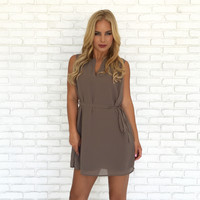 Casual Chic Shift Dress In Mocha