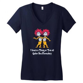i teach a thing or two at gator run elementary Women's V-Neck T-Shirt