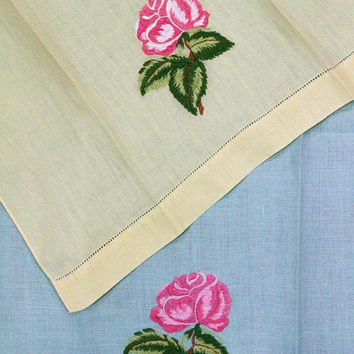 Shabby Chic Hand Towels, Pair Linen Guest Towels, Yellow & Mint Green, Raised Floral Embroidery, 1950s, Estate Vintage Linens