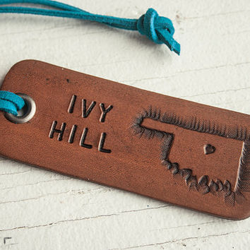 Oklahoma lugage tag or key chain - personalized travel tag - Heart or Star on any city in Oklahoma - key ring or suede cord