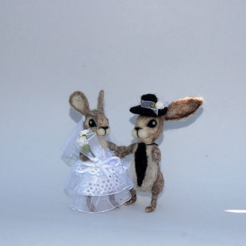 Wedding cake topper Bride and groom bunny Mr&Mrs bunny Rustic wedding Love couple Wedding animal