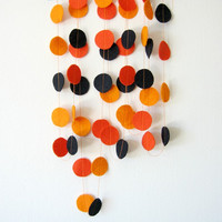 Orange and Black Circle Garland, Felt Garland, Orange and black Halloween garland, Creepy, Bat garland, Halloween decorations