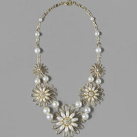 KINGSLAND FLORAL STATEMENT NECKLACE