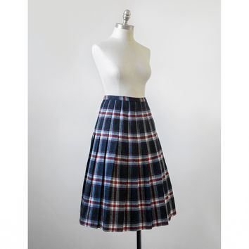 1950s Skirt / Pleated Tartan Plaid Wool Circle Skirt / Vintage 50s Skirt / Black Blue Red White / Medium M