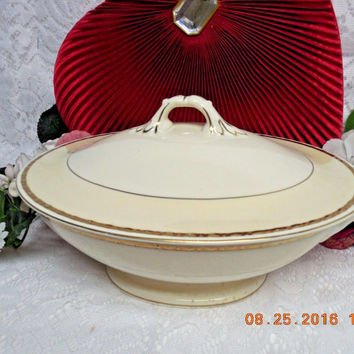Homer Laughlin China Dinnerware Viceroy, Eggshell  #G3571. Cvd Vegetable Dish