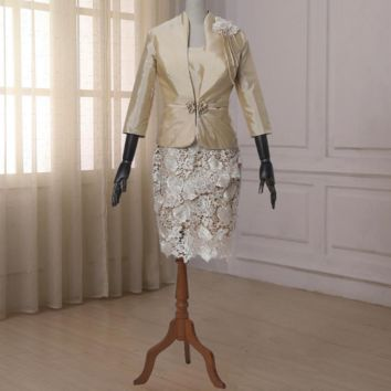 Charming Champagne Mother Of The Bride Dresses with Quarter Sleeve Jacket Lace And Satin Knee-length Sheath Mother Suits