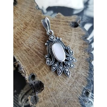 Native American Navajo sterling silver mother of pearl tribal vintage pendant Signed NF