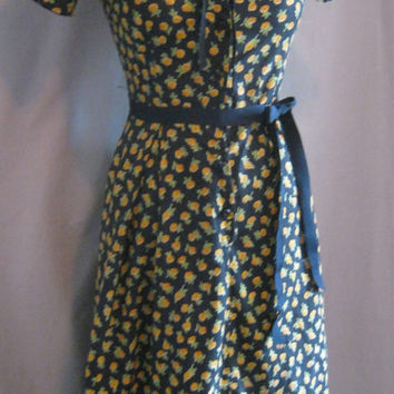 Vintage 50s Cotton Print DRESS Housewife Farmer HOUSEDRESS by Wayne Maid Bust 36""