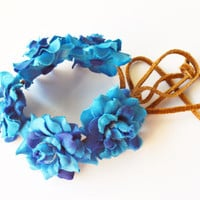 Blue Rose Adjustable Bun Wrap, Rose Bun Crown, Hair Bun Crown, Flower Hair Bun, Floral Bun Wrap, Spring and Summer Hair