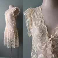 Vintage Blushing Peach lace dress by CapriciousTraveler on Etsy