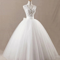 Cheap 2014 New Ball Gown Court Train White/Ivory Tulle Long Floor-Length V-neck Sexy Open Back Appliques Beading Lace Up Wedding Dress