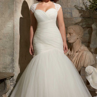 Pleated Tulle Plus Size Wedding Gown Mermaid Wedding Gown With Detachable Straps V390