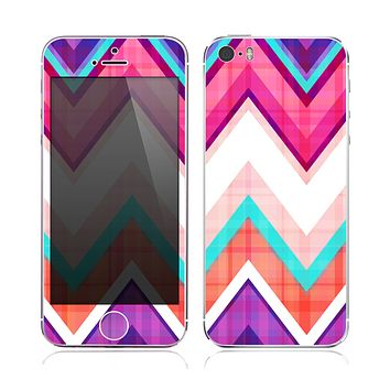 The Vibrant Teal & Colored Chevron Pattern V1 Skin for the Apple iPhone 5s