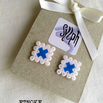 Earrings made of Hama Mini Beads - Etnoke (white)
