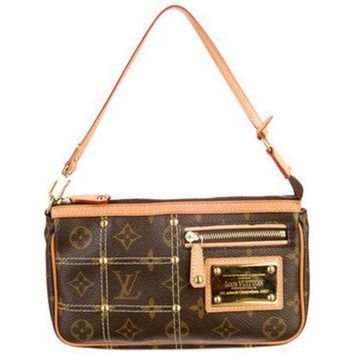 PEAPYD9 Louis Vuitton Monogram Pochette Riveting Bag