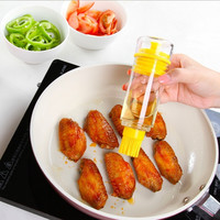 1pcs Utility Kitchen Supplies Oiler Silicone Brush Head with Oil Bottle Glass Magnetic Cruet Creative Seasoning Pot 5.5*17cm