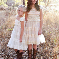 Rustic Flower Girl Dress, Junior Bridesmaid Dress, Country Flower Girl Dress, Cream Flower Girl, Burlap Wedding, Country Wedding, Shabby