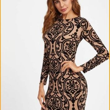 Extended Sizes Damask Print Keyhole Back Bodycon Dress -  Oversized