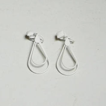 Lightweight White Clip On Hoop Earrings, Long Dangling, Thin, Teardrop, Thin Wire, Never Worn, Vintage 80s, Costume Jewelry