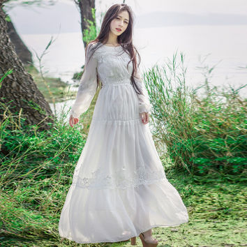 Summer of 2017 The New Embroidery Lace Long Sleeve of Tall Waist Fairy Show Thin Chiffon Dress Beach Casual Long Dress