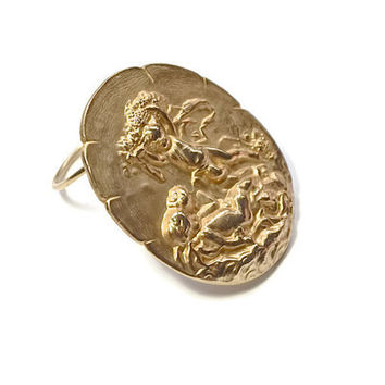 Jeri Lou Scarf Ring,Vintage Scarf Clip,Cherubs &Angels Jewelry,Pale GoldTone Scarf Holder,Large Scarf Clip,Unusual Scarf Slide,Scarf Jewelry