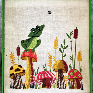 Embroidery Wall Art Retro Crewel Frog and Mushroom Wall Art Framed Embroidery Wall Hanging Framed Crewel Picture Needlepoint Wall Hanging