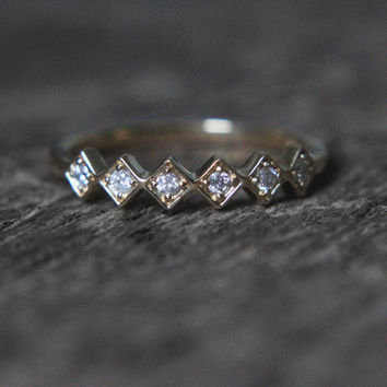 Ready to ship - Analise Sample - 6 stone Diamond band