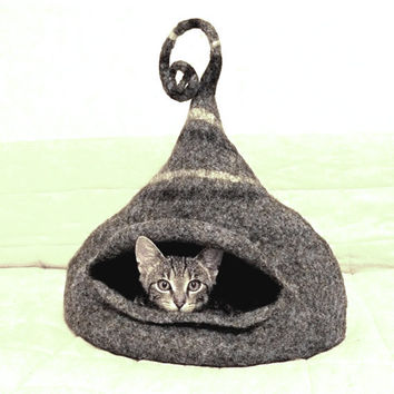 Cat bed / Cat cave / felted cat house / gray - ORDER