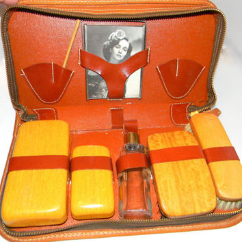 Vintage Gentlemans travel case, in Leather - wooden brushes and picture frame toiletry case for men