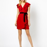 A Wear Ruffle Neck Dress With Belt