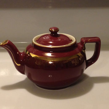 HALL Pottery Teapot 6 Cup Boston Brown Gold Design Vintage 1970s #018 Made in USA