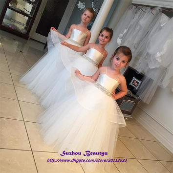White Spaghetti Puffy Flower Girl Dresses For Weddings 2016 Beaded Tulle Lace Up Kids Ball Gown With Peplum Vestidos De Comunion
