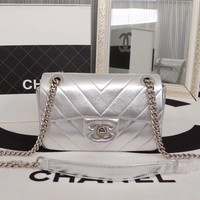 CHANEL WOMEN'S NEW STYLE LEATHER CF INCLINED CHAIN SHOULDER BAG