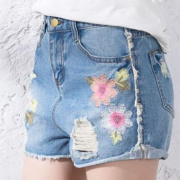 CREYV9O 2018 new wild hole denim shorts loose high waist A word hot pants Light blue