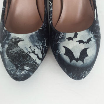 Gothic skull heels, custom heels, crow raven shoes, goth skull shoes, women skull shoes, alternative heels, gift for her, unique funky shoes