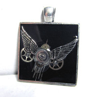 Detailed Steampunk Bird in Silver Square Resin Pendant