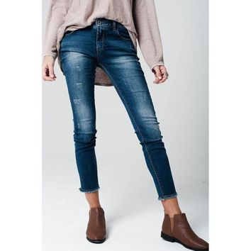 DCCK8BW DISTRESSED SKINNY JEANS WITH FRAYED EDGES AT HEMS
