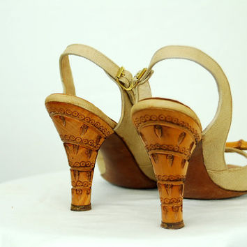 1950s shoes, 50s peep toe, sling backs, 50s sandals, carved wooden heel, 50s high heels, linen shoes, fabric shoes, Size 7.5